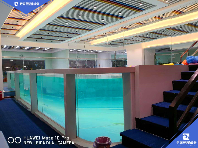 亲子游泳馆大型亲子玻璃游泳池